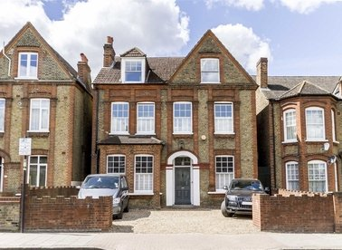 Properties for sale in Bedford Hill - SW12 9HW view1