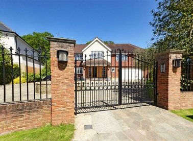 Properties for sale in Coombe Park - KT2 7JB view1