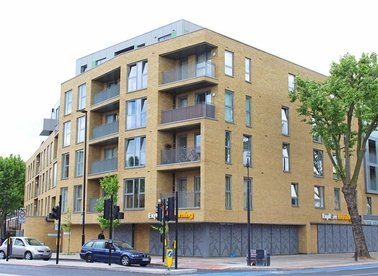 Fulneck Place, London, E1