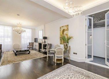 Properties for sale in Park Street - W1K 2JL view1
