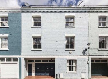 Properties for sale in Redfield Lane - SW5 0RQ view1