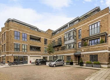 Properties for sale in Retreat Road - TW9 1AF view1