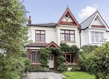 Properties for sale in Rodenhurst Road - SW4 8AE view1