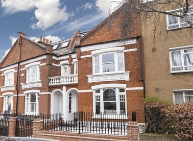 Properties for sale in Stokenchurch Street - SW6 3TS view1