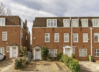 Properties sold in The Marlowes - NW8 6NA view1