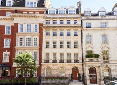 Properties for sale in Upper Brook Street - W1K 7QP view1