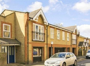 Properties to let in Bocking Street - E8 3GL view1