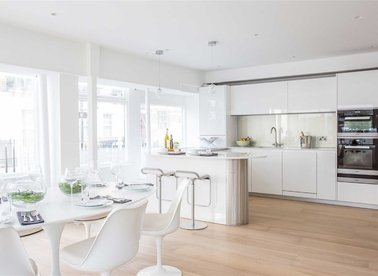 Properties to let in Cleveland Street - W1T 6NG view1