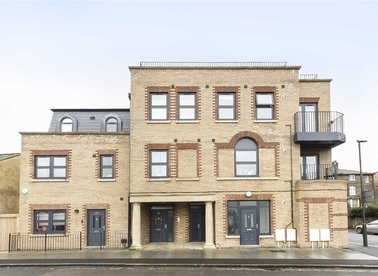 Properties to let in Henfield Road - SW19 3HH view1