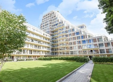 Properties to let in Henry Macaulay Avenue - KT2 5FF view1