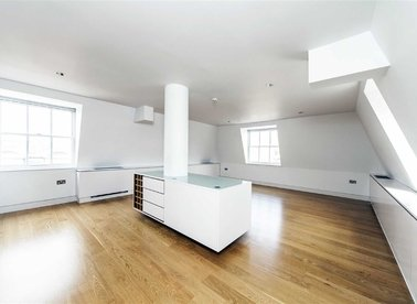Properties to let in King Street - WC2E 8HH view1