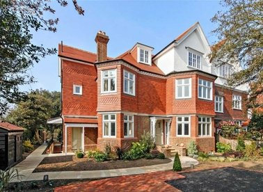 Properties to let in Lancaster Road - SW19 5DF view1