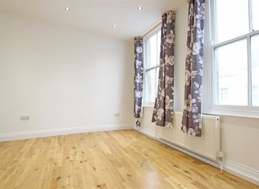 Properties to let in Roman Road - E3 5LU view1