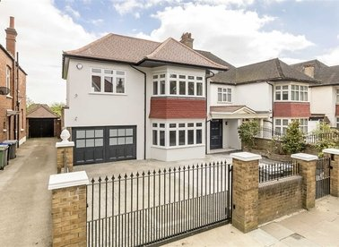 Properties to let in The Avenue - NW6 7NN view1