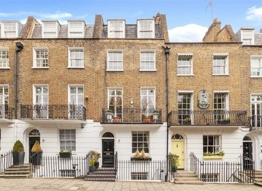 Properties to let in Trevor Square - SW7 1DT view1