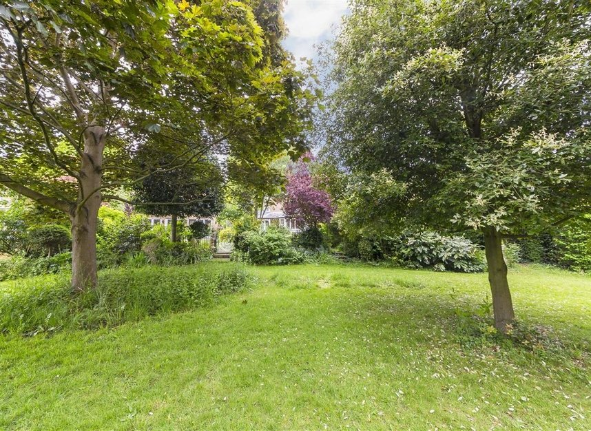 Properties for sale in Ailsa Road - TW1 1QW view8