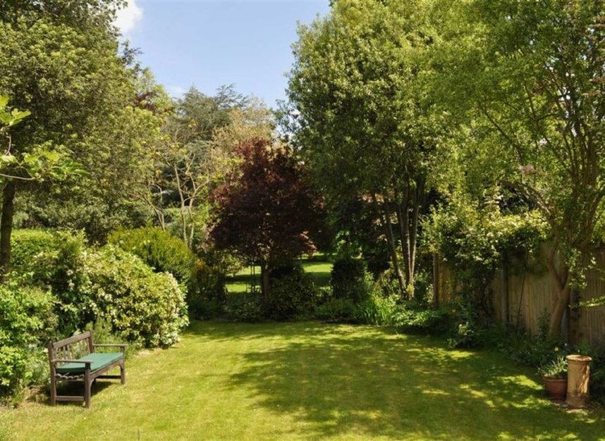 Properties for sale in Ailsa Road - TW1 1QW view4