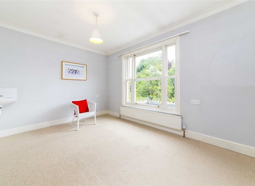 Properties for sale in Ailsa Road - TW1 1QW view5