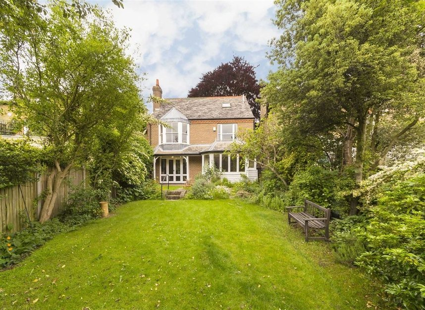 Properties for sale in Ailsa Road - TW1 1QW view6