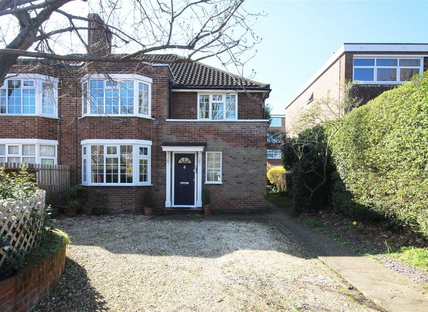 Flat For Sale In Albany Park Road Kingston Upon Thames