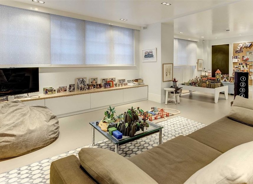 Properties for sale in Buckingham Place - SW1E 6HR view7