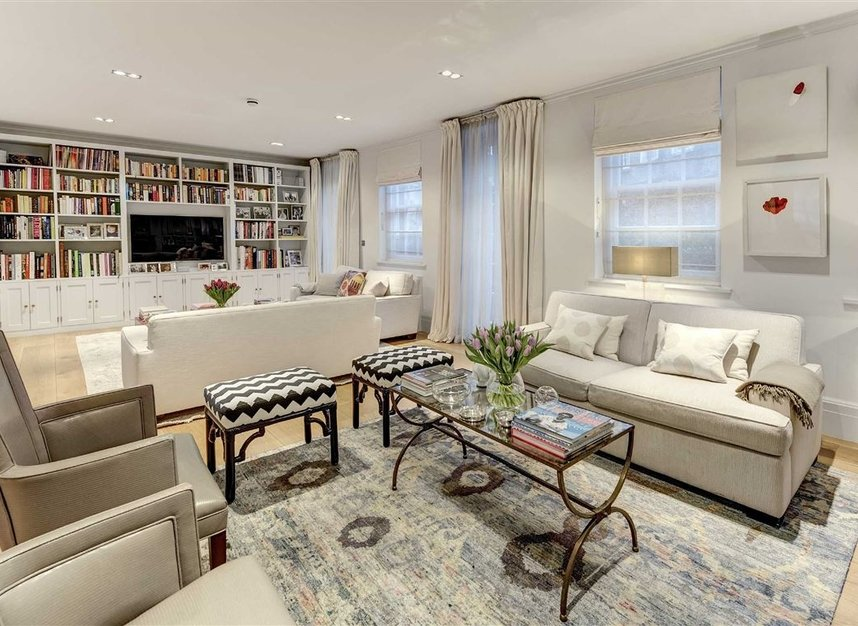 Properties for sale in Buckingham Place - SW1E 6HR view1