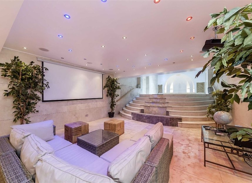 Properties for sale in Cheyne Place - SW3 4HH view5