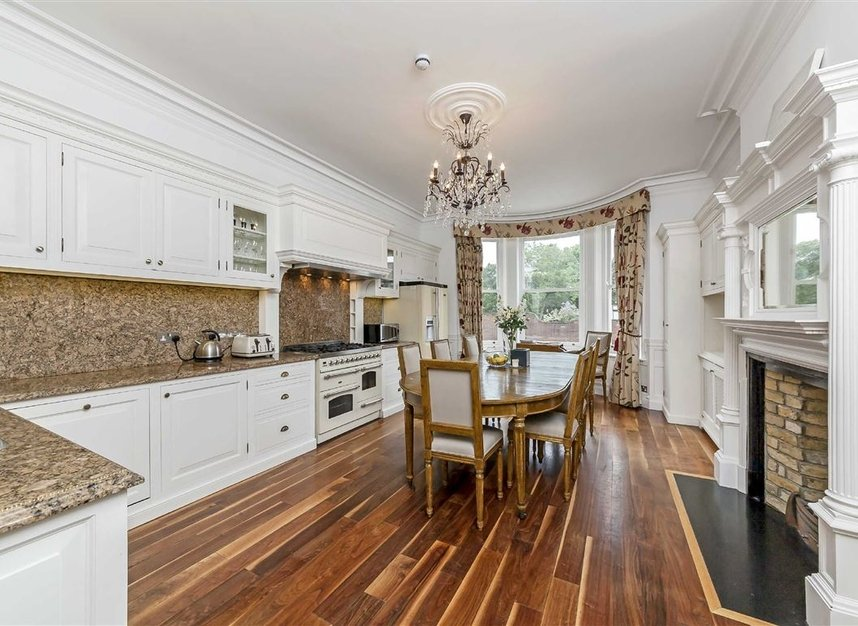 Properties for sale in Cheyne Place - SW3 4HH view8