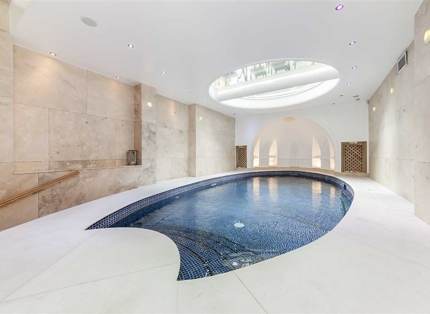 Properties for sale in Cheyne Place - SW3 4HH view4