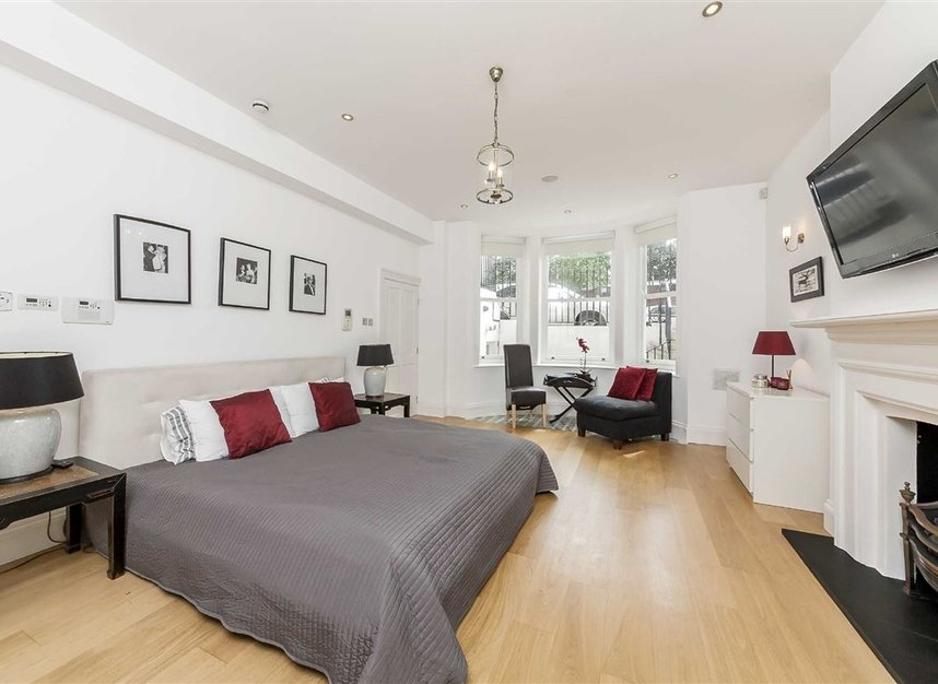 Properties for sale in Cheyne Place - SW3 4HH view11