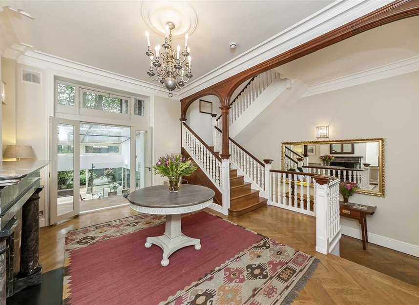 Properties for sale in Cheyne Place - SW3 4HH view10