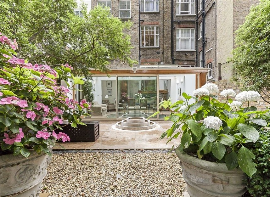 Properties for sale in Cheyne Place - SW3 4HH view13