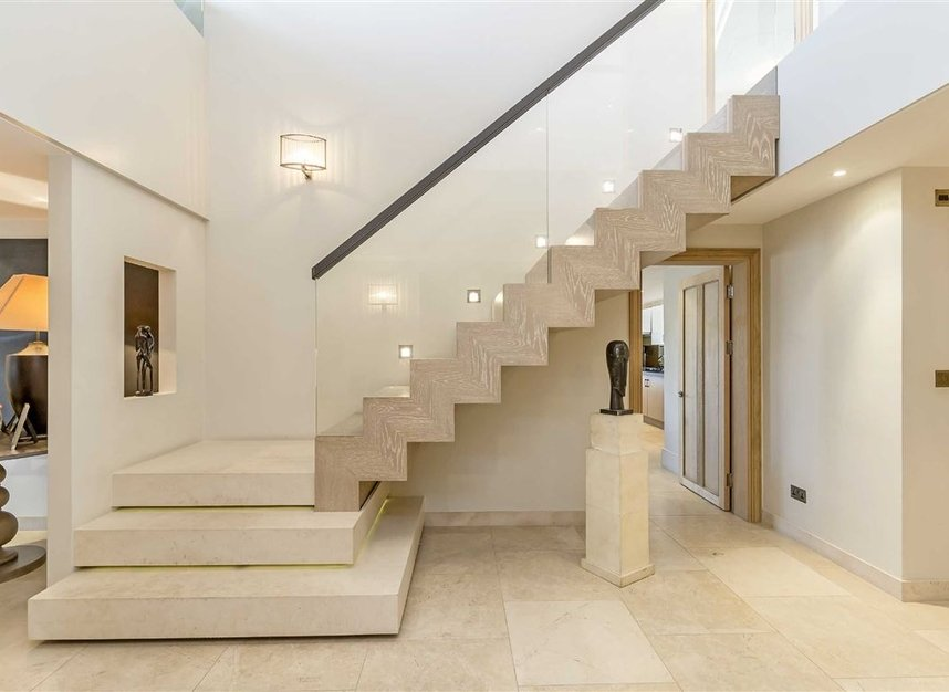 Properties for sale in Coleridge Gardens - SW10 0RD view8
