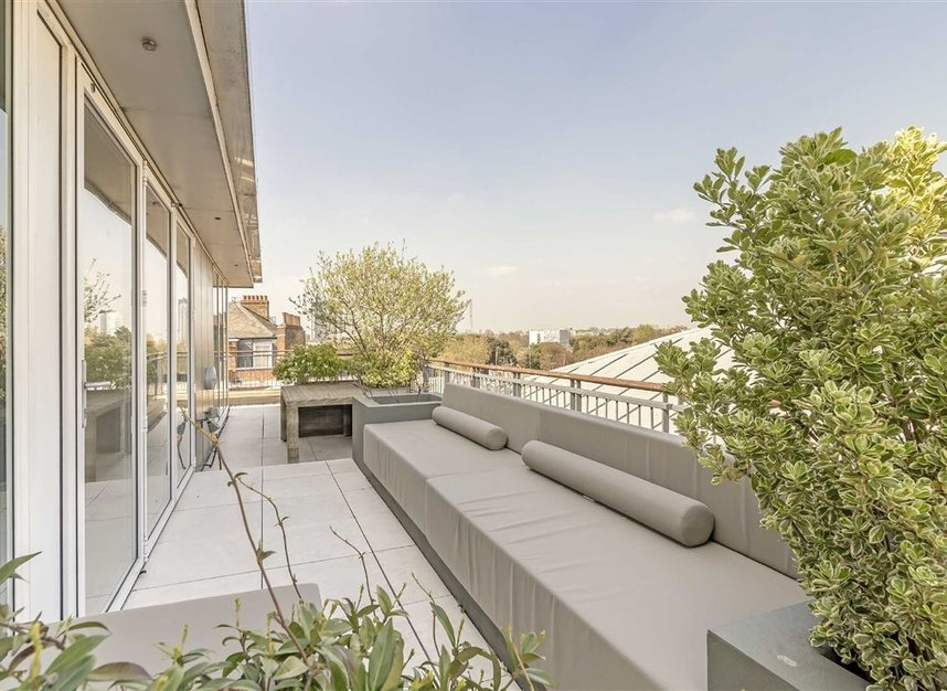 Properties for sale in Coleridge Gardens - SW10 0RD view7