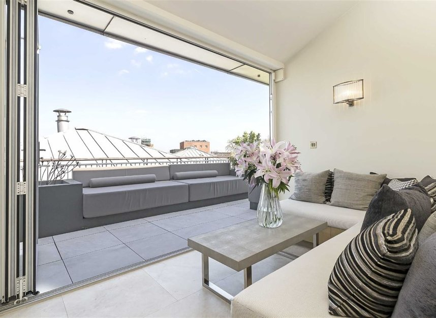 Properties for sale in Coleridge Gardens - SW10 0RD view5