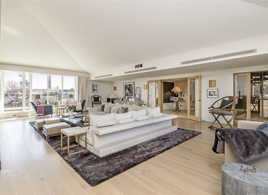 Properties for sale in Coleridge Gardens - SW10 0RD view1