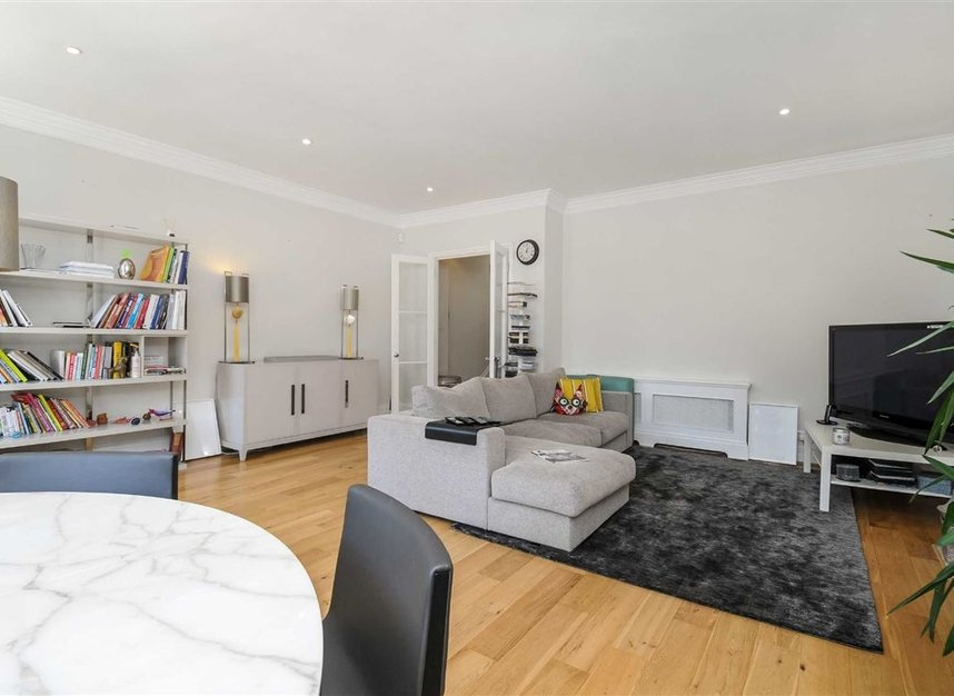 Properties for sale in Draycott Place - SW3 2SA view6