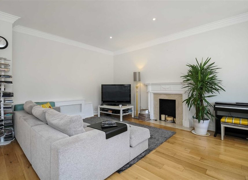 Properties for sale in Draycott Place - SW3 2SA view8