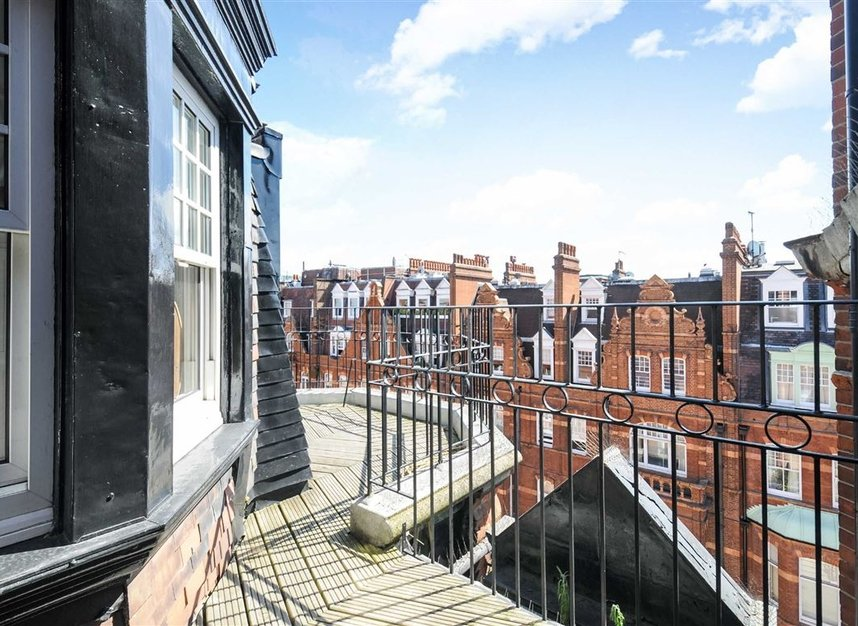 Properties for sale in Draycott Place - SW3 2SA view4