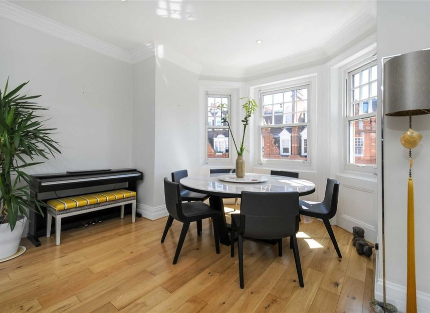 Properties for sale in Draycott Place - SW3 2SA view5