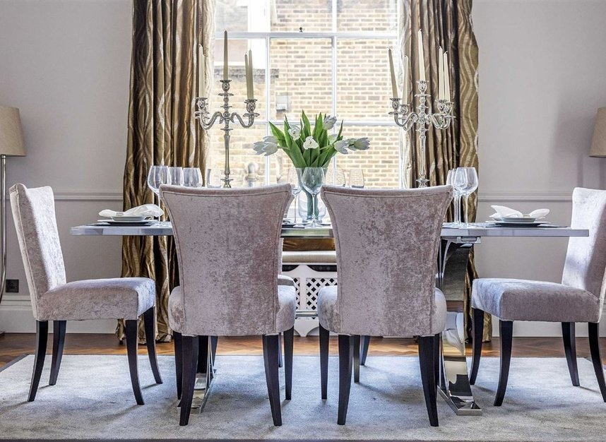 Properties for sale in Eaton Square - SW1W 9BQ view6