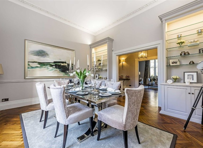 Properties for sale in Eaton Square - SW1W 9BQ view2