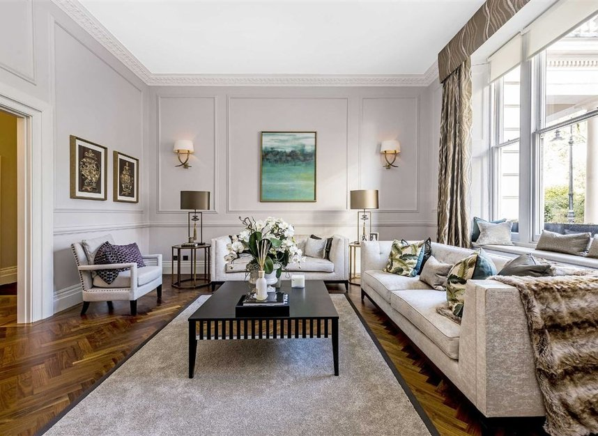 Properties for sale in Eaton Square - SW1W 9BQ view1