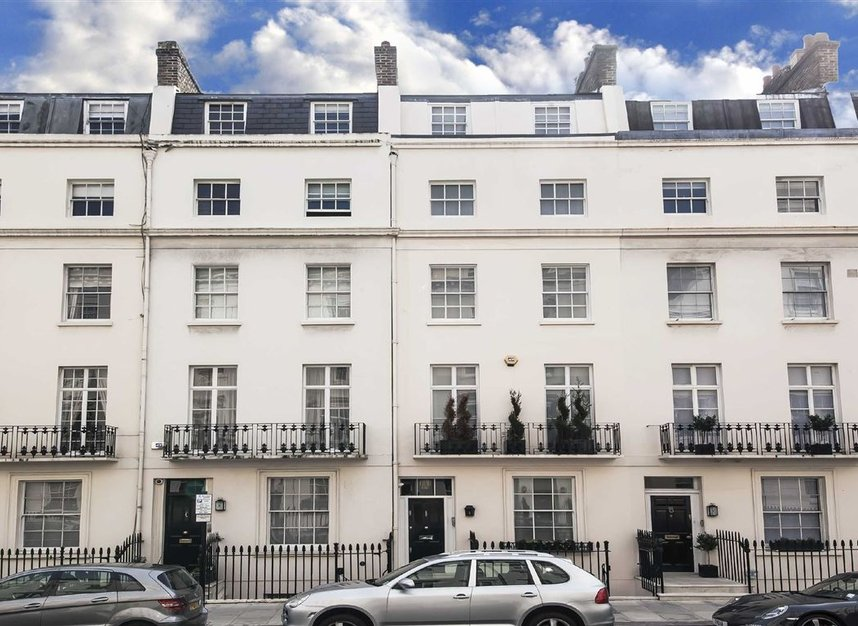 Eaton Terrace, London, SW1W