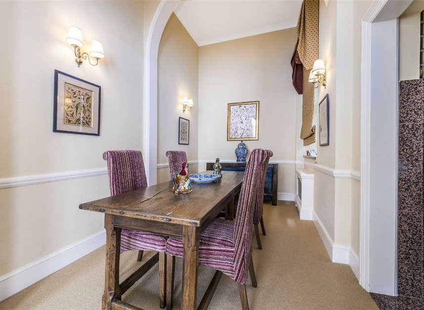 Properties for sale in Ennismore Gardens - SW7 1NL view8