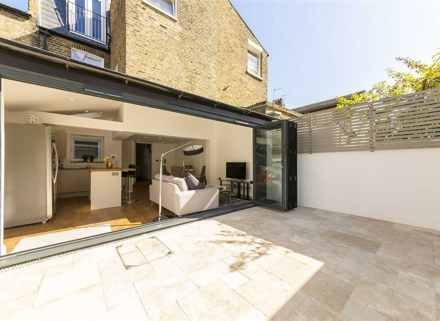 Properties for sale in Gowrie Road - SW11 5NR view9