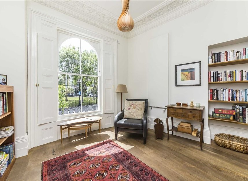 Properties for sale in Lansdowne Gardens - SW8 2EQ view3