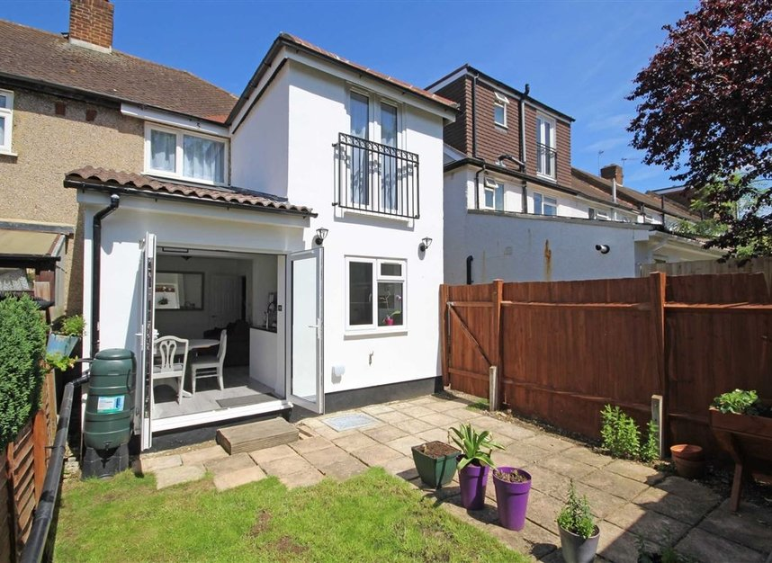 Properties for sale in Lisbon Avenue - TW2 5HL view5