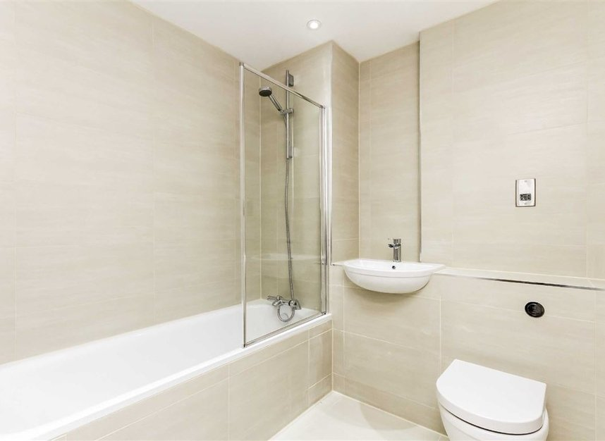Properties for sale in London Road - KT2 6QL view4