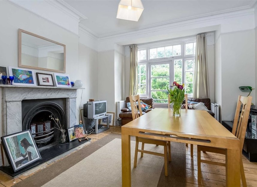Properties for sale in Lynton Road - W3 9HP view3